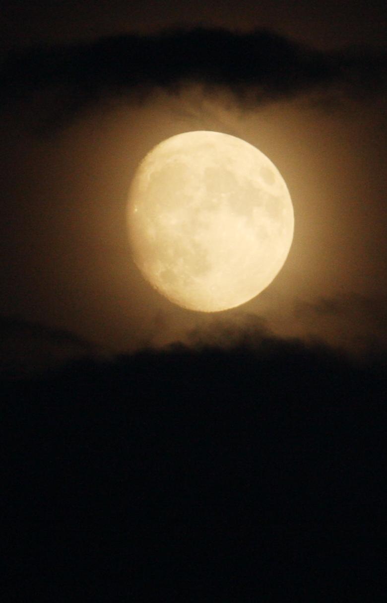 Moon 13 aug